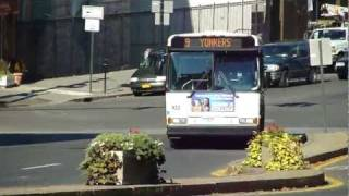 Westchester County Bee Line: 2002 DaimlerChrysler Orion V 30FT W9 Bee Line Bus #102 at Riverdale Ave