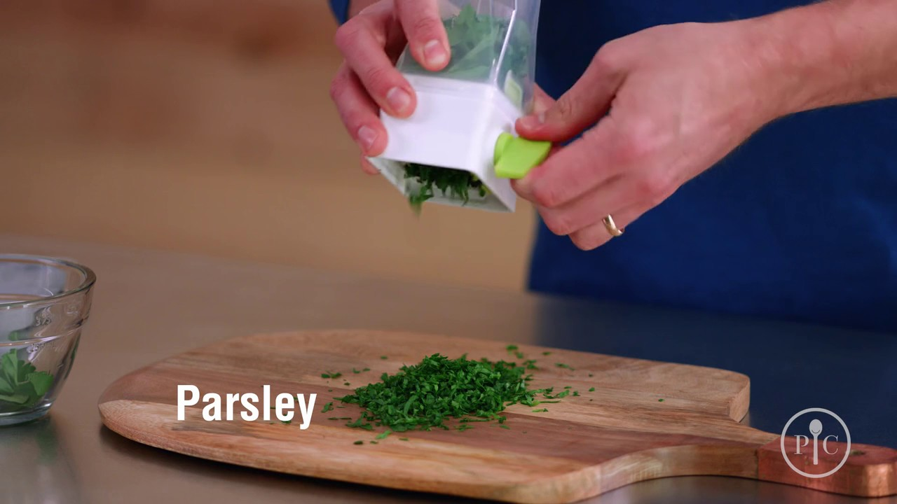 Chefs buying fresh herbs - Herb Mill Pampered Chef