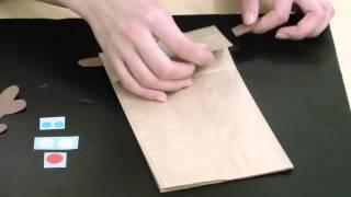 紙袋で作るパペットです。 今回はクリスマス用にトナカイを作りました。...