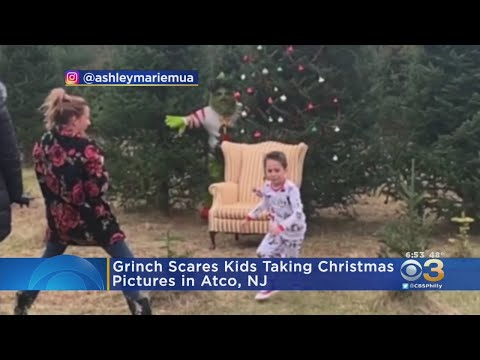 Grinch Scares Kids Taking Christmas Pictures In Atco, New Jersey
