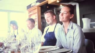 Cornelius Sjømatrestaurant, En dag på holmen
