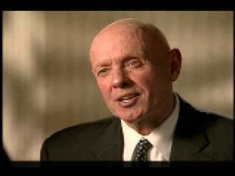 Stephen Covey on Setting Priorities Video