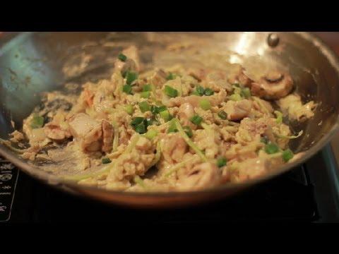 How to Make Chicken Egg Fu Yung : Egg Basics
