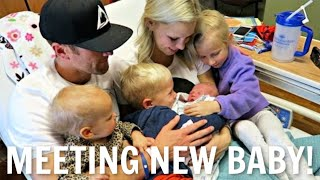 KIDS MEET BABY SISTER FOR THE FIRST TIME! PRICELESS REACTION!