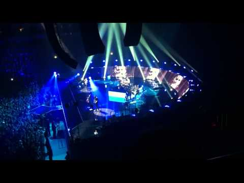 2. Muse The Second Law - Supremacy - Live at Arena Riga 13.12.12