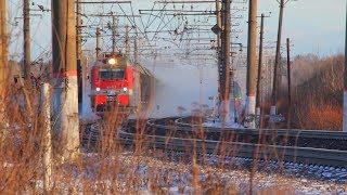 [RZD] 2ES4K-101 with a freight train, Voybokalo