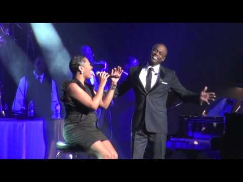 KEM And L'Renee Duet At What Christmas Means Tour Detroit