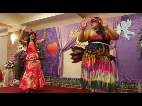 Tuvalu Siva Performed at the Wedding of Nakibae Kitiseni