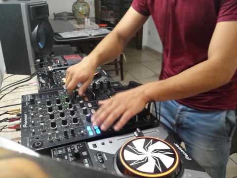 Djm 800 mixaggio techno