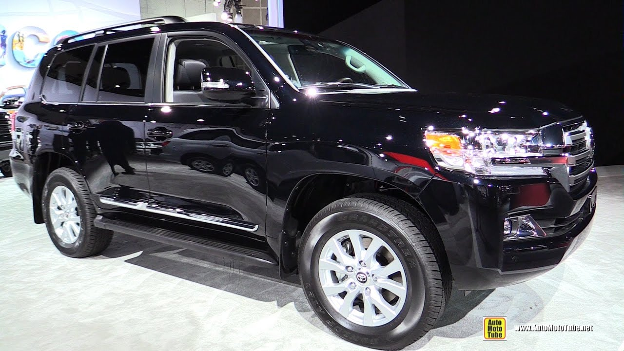2017 toyota land cruiser exterior and interior walkaround 2016 la auto show youtube. Black Bedroom Furniture Sets. Home Design Ideas