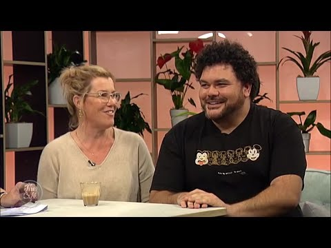 Actors Robyn Malcolm and Josh Thompson Join Us on The Cafe