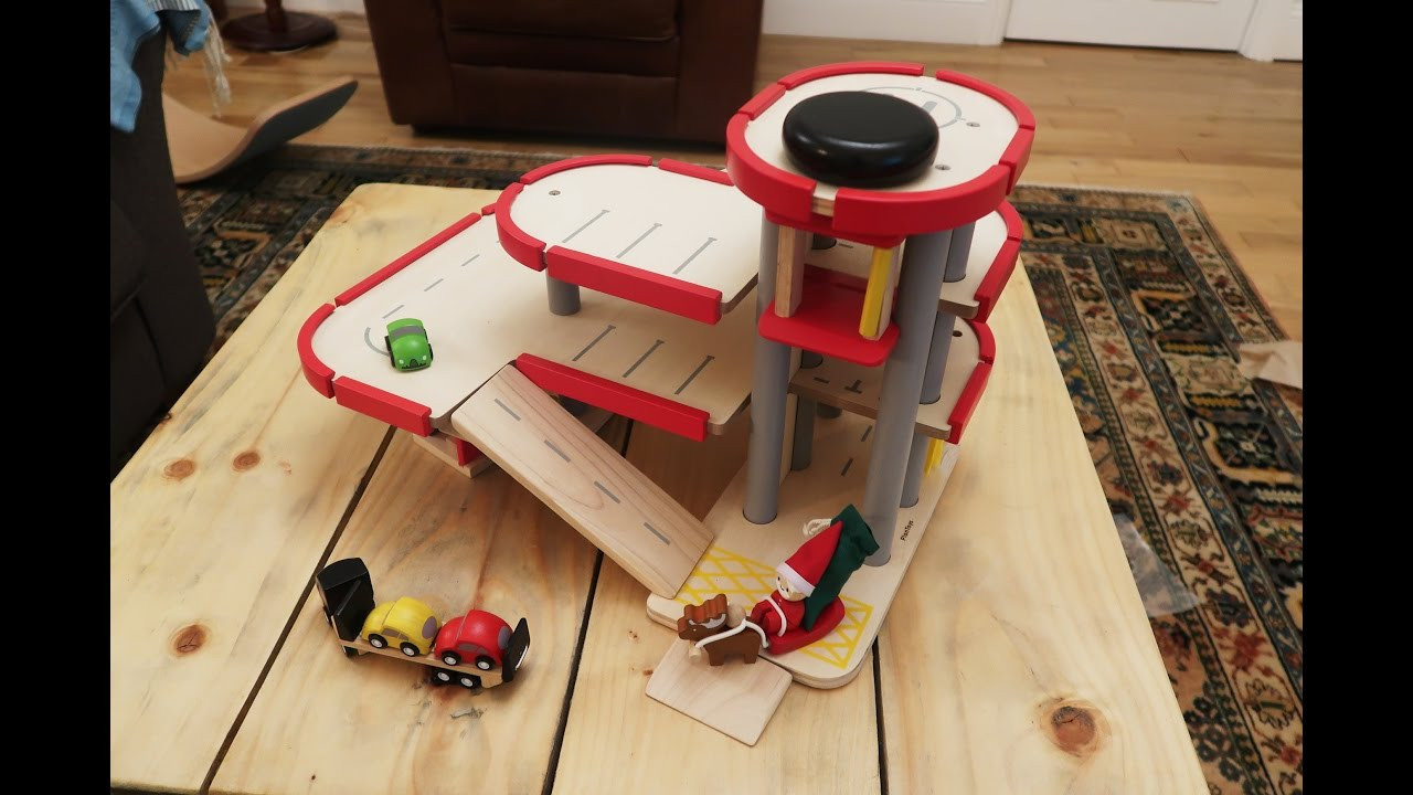 Plan Toys Garage : Plan toys parking garage 6227 youtube