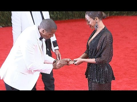 Jay Z Adorable Ring Proposal To Beyonce At Met Ball 2014