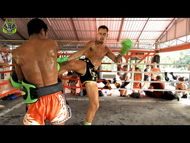 Julian padwork | Emerald Muay Thai gym