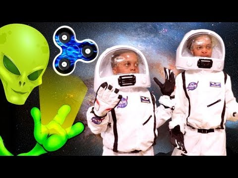 Thumbnail: FIDGET SPINNER SPACE ADVENTURE!!! - Shiloh And Shasha - Onyx Kids