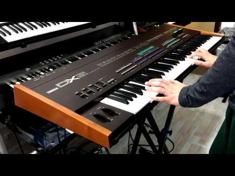Yamaha DX5 FM synthesizers , Demo ..
