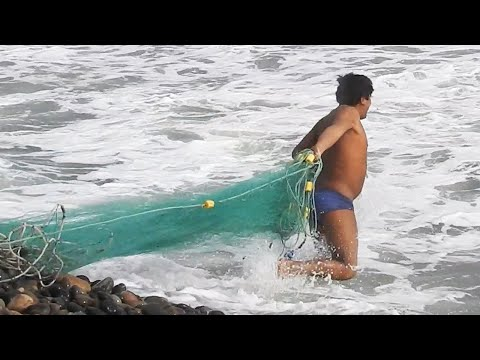 Regardez attentivement les techniques utilisées par chaque bon pêcheur
