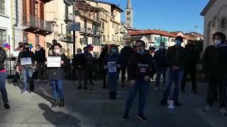 Omegna, protesta contro il Dpcm restrittivo