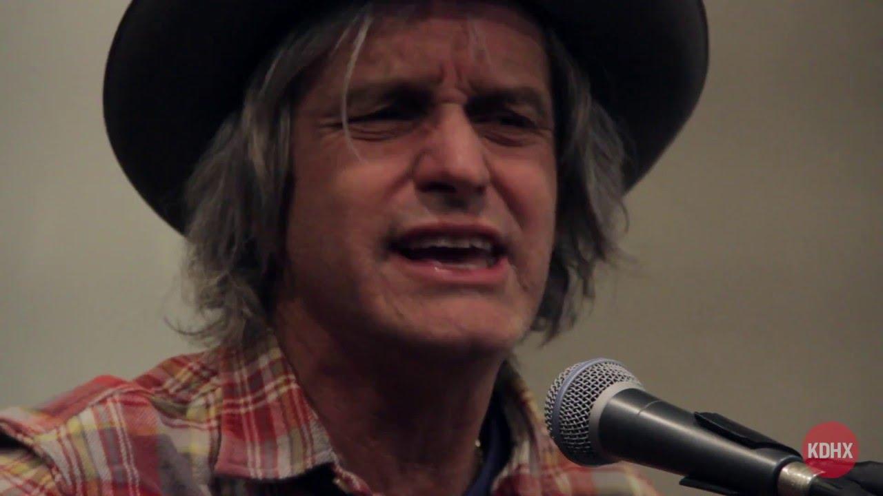 """video: """"Folk Singer"""""""