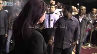 بالفيديو : ادوارد ومادلين طبر وخالد سرحان في عزاء والدة شريف وعمرو عرفه