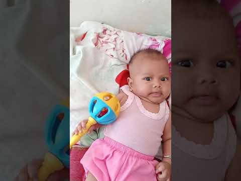 Bayi 2 bulan salsabilla lagi mainan
