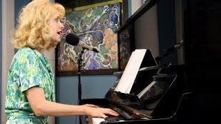 Nellie McKay 'Long And Lazy' | Live Studio Session