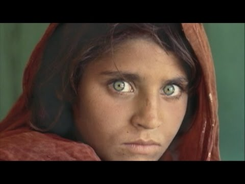 Sharbat Gula: The tumultuous life story of Afghanistan's 'green-eyed girl'