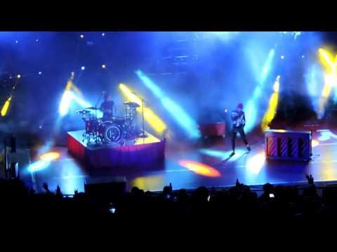 Migraine - Twenty One Pilots (Live at Red Rocks)