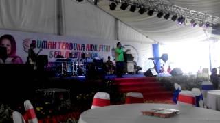 Video Ampunkan Aku - Asheed Def Gab C @ Rumah Terbuka Aidilfitri MB Kedah Seri Mentaloon 2015 download MP3, 3GP, MP4, WEBM, AVI, FLV Juni 2018