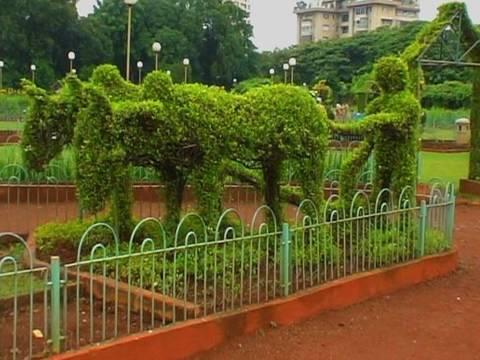 Hanging garden in Mumbai