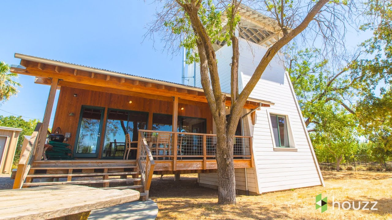 See a Modern Family Farmhouse That Can Pick Up and Move