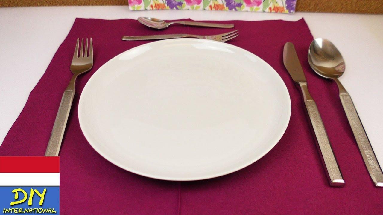 Etiket Meja Makan 1  Menata Peralatan Makan  YouTube