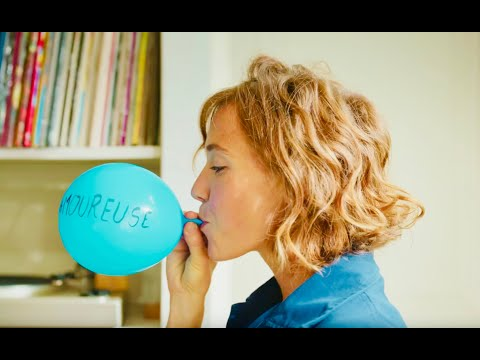Смотреть клип Clio - Amoureuse