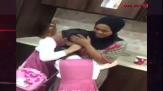 خدامه حنونه بنات يبكون على فراق خدامتهم
