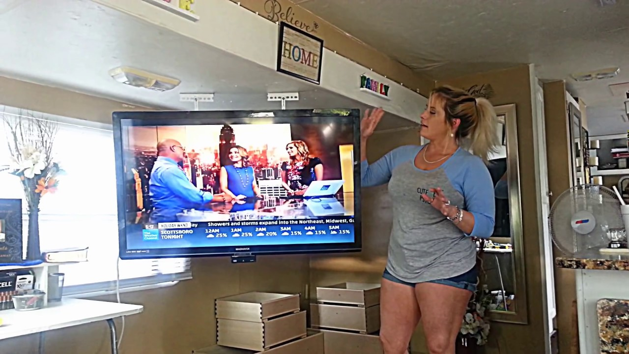How to make a TV Ceiling Mount for ANY SIZE TV $7 DIY / no ...