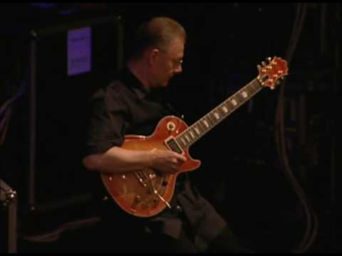 Robert Fripp Introductory Soundscape Warsaw 10 June 2000