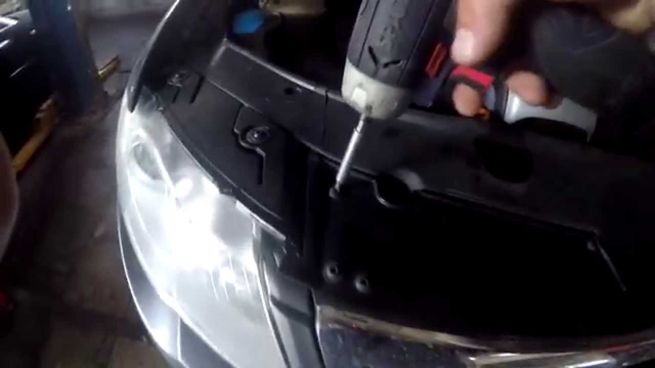 how to remove and to fix the Front grille on VOLKSWAGEN ...