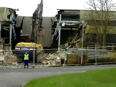 Demolition Of Catterick Garrison Swimming Pool Youtube