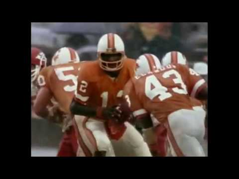 [Highlights] Once upon a time, the Chiefs and Bucs played in the rainiest of rain games- 1979's Monsoon Bowl