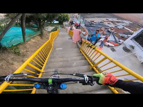 DH Urban Bike-Comuna 13