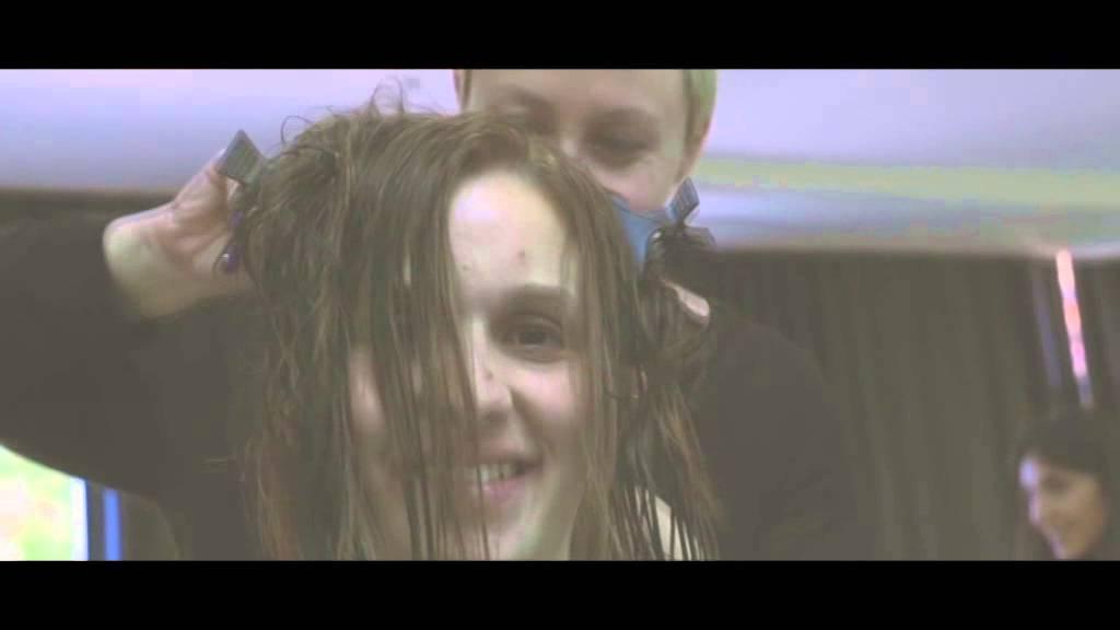 Taglio capelli maroon 5