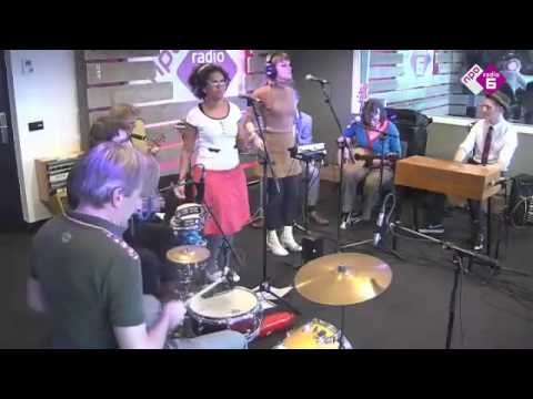 Bongomatik – (Sly and The Family Stone) - Sing a Simple Song (Zwarte Lijst Klassieker)