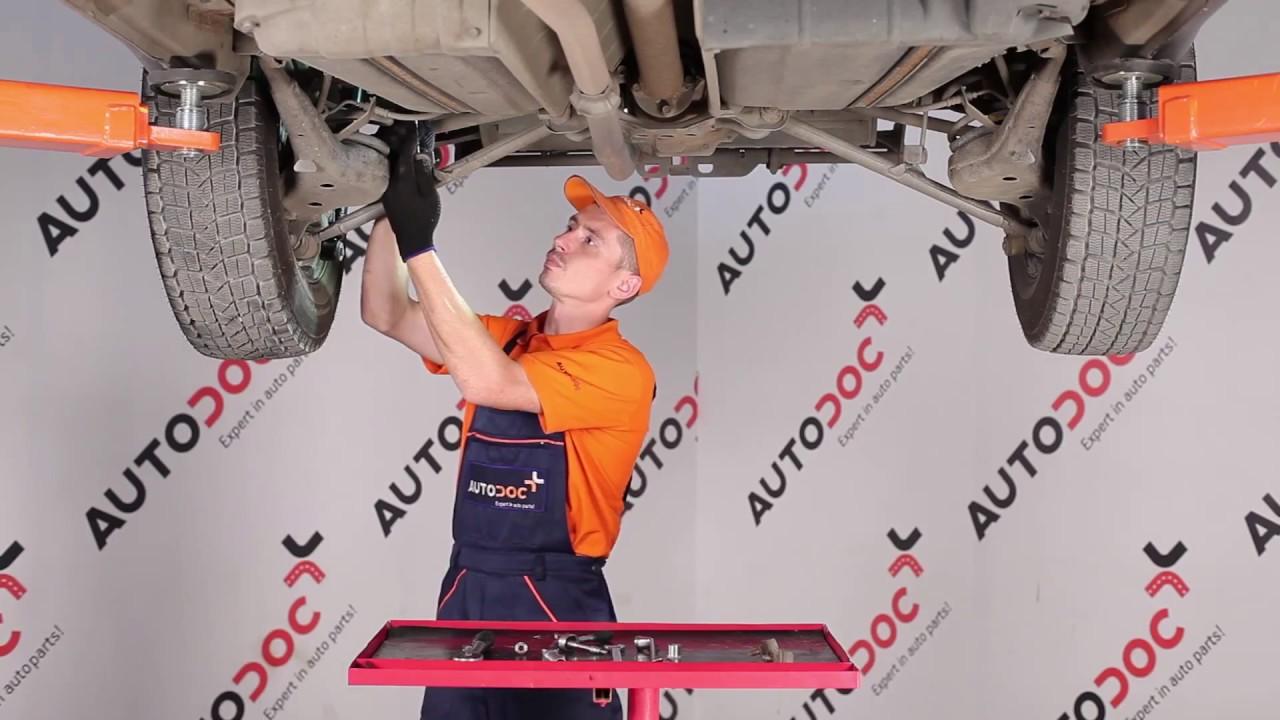 Toyota Rav 4 Le >> Comment remplacer une biellette de barre stabilisatrice ...