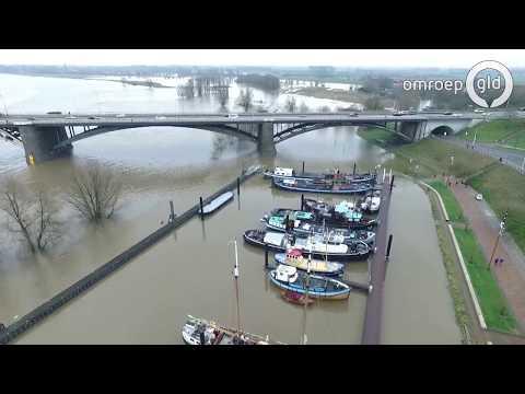 Dronebeelden van het hoogwater bij Nijmegen