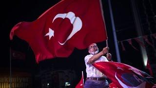O gece Adnan Oktar canlı yayında her partiden gençleri nöbete çağırdı.
