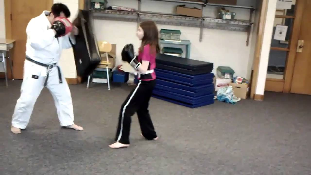 how to stop toddler hitting and kicking