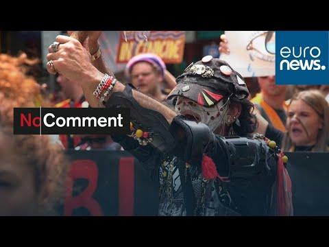 شاهد: الأستراليون يحتفلون بالعيد الوطني وسط دعوات لتغيير دلالته …  - نشر قبل 3 ساعة