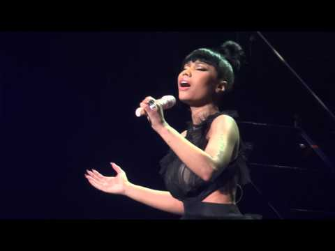 Nicki Minaj - Grand Piano Finale (Brussels, Belgium - The Pink Print Tour, Palais 12 - HD)