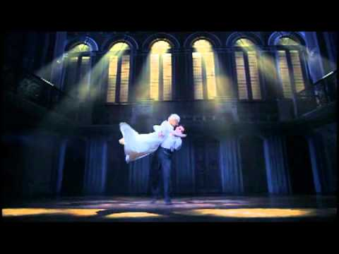 Evita Broadway Theatre Review Two On The Aisle  C. Gross &  L. Blake
