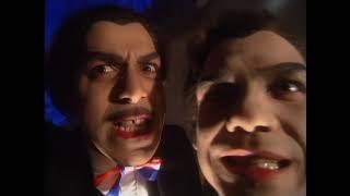 Les Inconnus - Rap-tout (vampires) thumbnail